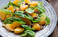 Spinach and mandarin orange salad